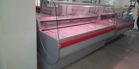 horizontalna-hladilna-vitrina-nalichna-na-sklad-igloo-monika
